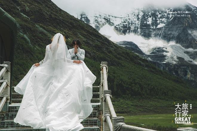 稻城旅拍婚纱照价格大约是多少呢?