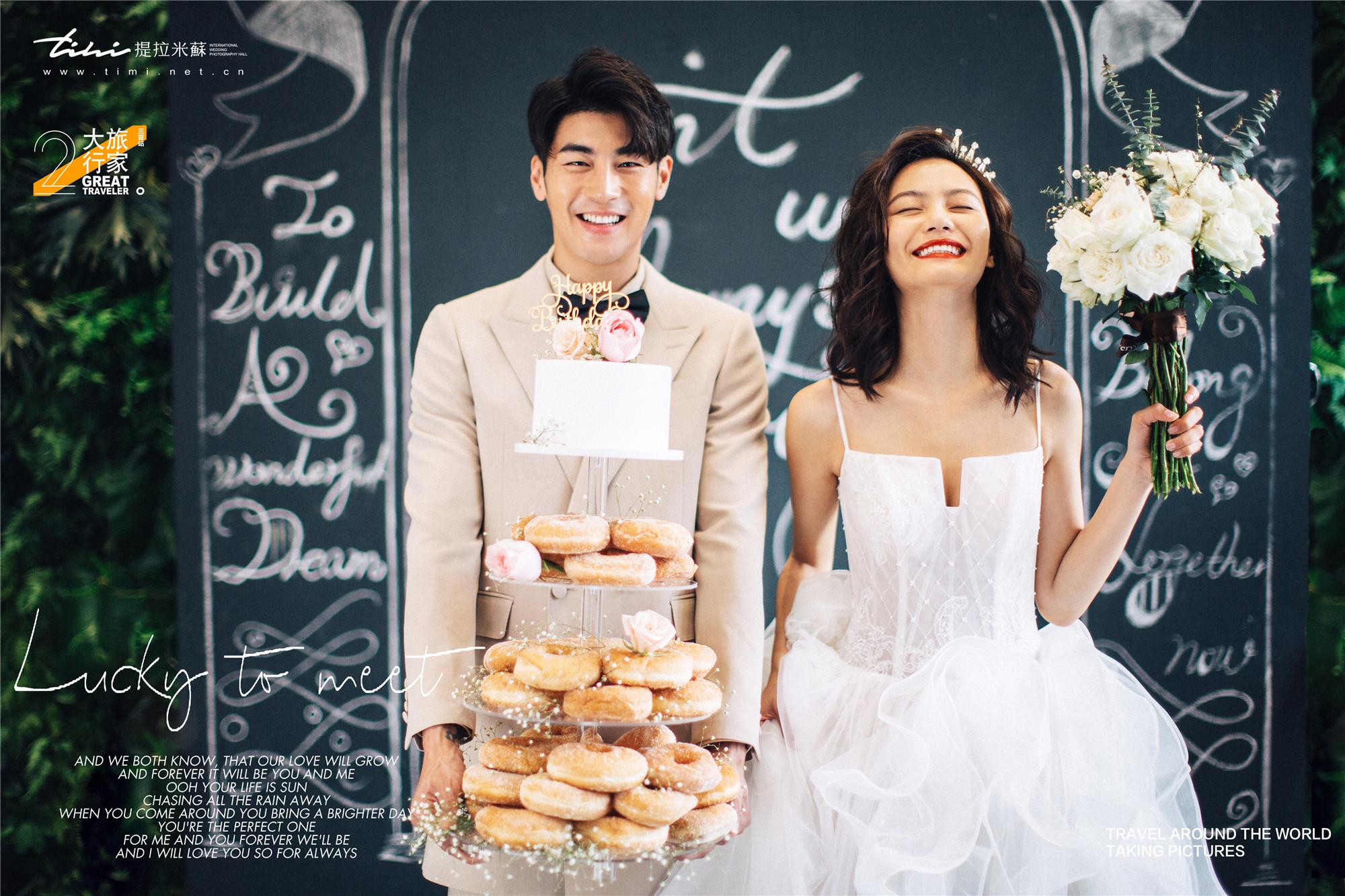 厦门婚纱摄影:内景婚纱照如何拍得最好看?